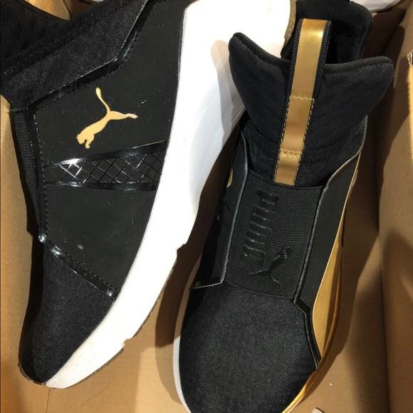 puma fierce gold, size 6 sneaker. GREAT condition.